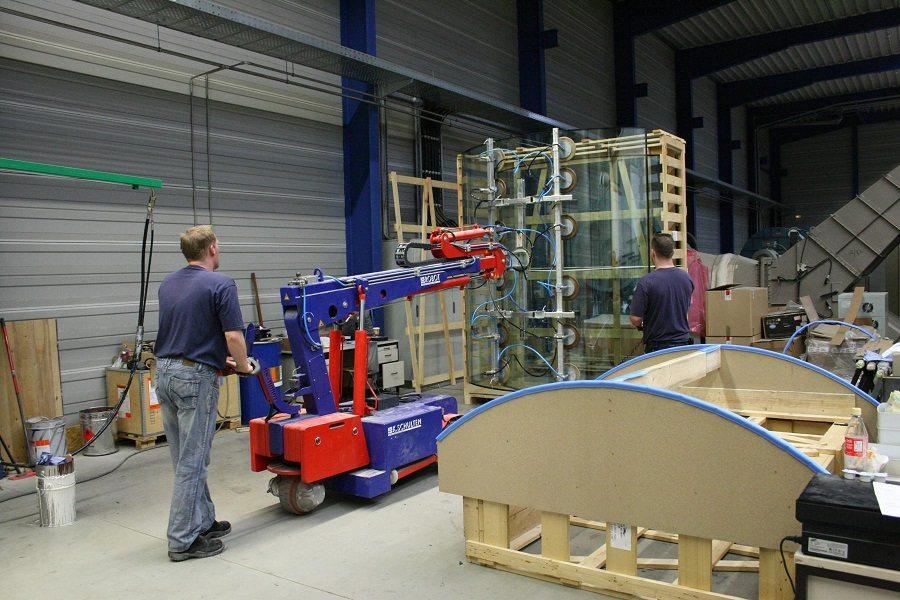 MAV Lift Glazing Tools curved glass